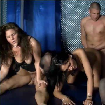 Német csajok szexpartiznak a swingerklubban