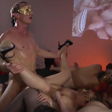 Csoportos szex szexmozizás közben