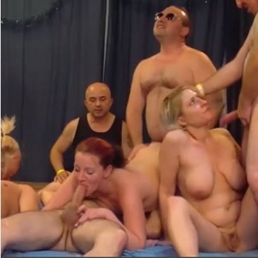 Gruppen és ökölszex amatőr párokkal