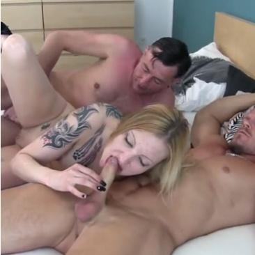 Georgina - anális szex hármas gruppenben