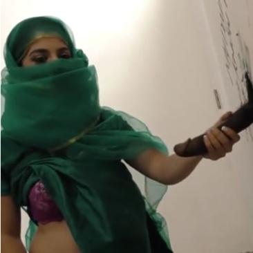 Nadia Ali - muszlim csaj a gloryholeban